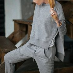 - Casual Round Collar Long Sleeve High-Low Hem Gray Sweatshirt + Drawstring Pants Women's Twinset Pantalon Thai, Blusas T Shirts, How To Wear Shirt, Casual Outfits, Fashion Outfits, Fashion Clothes, Casual Suit, Casual Jeans, Dress Casual