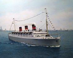 RMS Queen Of Bermuda Docked In Hamilton Bermuda S One Of - Queen of bermuda cruise ship