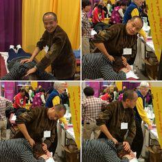 Dr Ming Wu doing Tui Na.