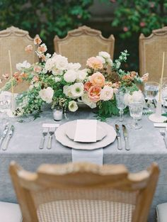 Ideas for vintage style wedding reception table settings Reception Table, Wedding Reception Decorations, Floral Centerpieces, Wedding Centerpieces, Quinceanera Centerpieces, Table Centerpieces, Floral Arrangements, Floral Wedding, Wedding Flowers