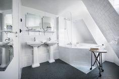 Black And White Tiled Corner Bathroom Hotel Panache Design Hotel Paris Dorothee Meilichzon