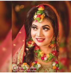 Flower Jewellery For Mehndi, Flower Jewelry, Haldi Ceremony, Bridal Pictures, Stylish Girl Pic, Make Up, Rakhi, Bride, Full Set