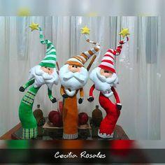 SANTAS ESTILIZADOS Christmas Gnome, Primitive Christmas, Christmas And New Year, Xmas, Snowman Ornaments, Christmas Ornaments, Christmas Patterns, Christmas Decorations, Holiday Decor