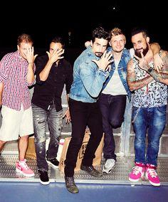 Backstreet Boys, 5 strong again :-) Nick Carter, Pretty People, Beautiful People, Backstreet Boys Lyrics, Boy Paradise, Brian Littrell, Kevin Richardson, 90s Kids, Bad Timing