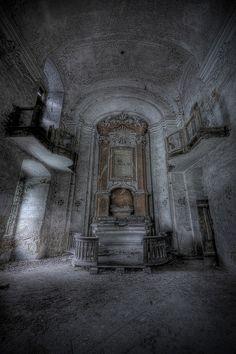 Inside Abandoned Castles Bedrooms | an inside shot of our abandoned castle