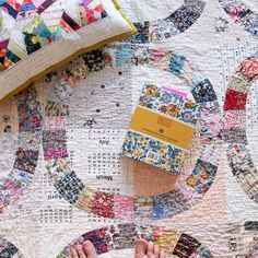 I love this single girl quilt!