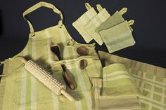 weave for the kitchen - green apron