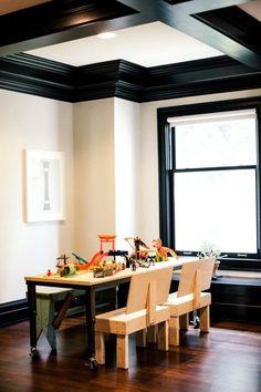 ceiling (Design Dare: Paint Your Trim Black) Black Crown Moldings, Black Molding, Living Room Paint, Living Room Interior, Living Rooms, Black Trim Interior, Conference Table Design, Diy Design, Design Ideas