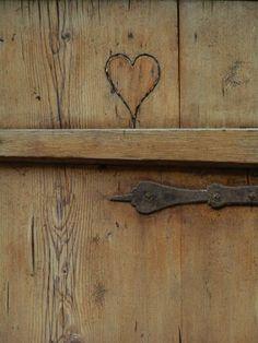 Lovely Coeur Gravé Dans Le Bois Visit My Website : ©www.image Gratuite. Home Design Ideas
