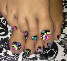 Black Toe Nails with Summer Brights in whimsical paisley free hand toe nail art Fancy Nails, Love Nails, Pretty Nails, My Nails, Pretty Toes, Pedicure Designs, Toe Nail Designs, Pedicure Ideas, Cute Toenail Designs