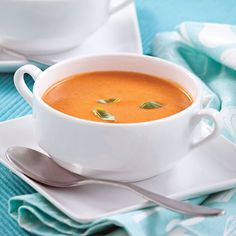 Crème de tomates aux fines herbes à la mijoteuse - Je Cuisine Slow Cooker Recipes, Soup Recipes, Vegetarian Recipes, Cooking Recipes, Healthy Recipes, Clean Eating Soup, Good Food, Yummy Food, Food For A Crowd
