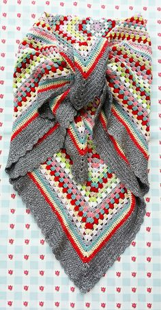 New crochet granny square shawl inspiration 30 Ideas Crochet Bolero, Beau Crochet, Crochet Shawls And Wraps, Love Crochet, Crochet Scarves, Beautiful Crochet, Crochet Baby, Knit Crochet, Crochet Blankets