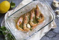 I gamberi al forno sono perfetti per tutti gli amanti dei secondi piatti a base di pesce. Grazie alla cottura al cartoccio esalterete al massimo i profumi!