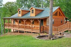 Choosing and Preparing the Best Wood for Log Cabin | Prepper Universe