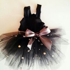 Looking for an outfit that'll have the dogs barking? Look no further. Your little diva will just love this tutu! - Available at Www.Luxuriouspup.com