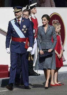 http://worldroyalfamily.blogspot.hu/2017/10/spanish-royals-attend-national-day.html