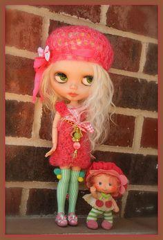 Sisters..Mayzie and Shortcake by Leezapea1, via Flickr