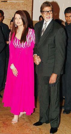 - Aishwarya Rai attends the wedding reception of Bollywood actress Shilpa Shetty in Mumbai on Tuesday, November 2009 - # Indian Designer Outfits, Indian Outfits, Designer Dresses, Designer Kurtis, Bollywood Couples, Bollywood Actress Hot Photos, Bollywood Girls, Bollywood Stars, Pakistani Fashion Casual