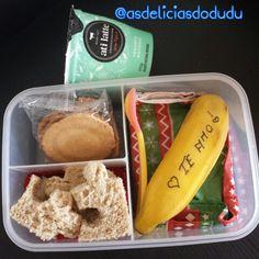 Banana + pão integral + sembei + iogurte natural
