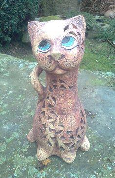 Kočka sedící na svíčku - Keramická dílna Jana