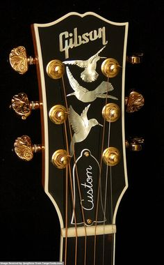 Gibson Super Custom Hummingbird With Engraved Tuners - Headstock Guitar Shop, Jazz Guitar, Guitar Parts, Music Guitar, Cool Guitar, Ukulele, Guitar Stand, Gibson Acoustic, Gibson Guitars