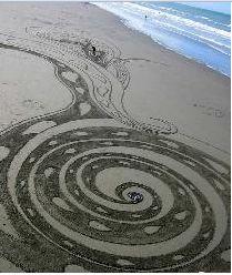 Architektur Kowhaiwhai sand koru N. Rocky Shore Unit Plan Kowhaiwhai sand koru N. Rocky Shore Unit Plan The post Kowhaiwhai sand koru N. Rocky Shore Unit Plan appeared first on Architektur. Land Art, Sand Drawing, Surf, Rocky Shore, Maori Art, Environmental Art, Outdoor Art, Beach Art, Sacred Geometry