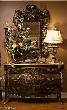 If you are having difficulty making a decision about a home decorating theme, tuscan style is a great home decorating idea. Many homeowners are attracted to the tuscan style because it combines sub… Tuscan Decorating, French Country Decorating, Old World Decorating, Interior Decorating, Style Toscan, Decoration Baroque, Tuscany Decor, Tuscan House, Old World Style
