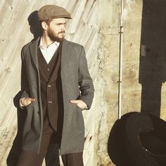 Oldschool suit with modern coat. Sixpence and a scruffy beard. Beards, Old School, Suit Jacket, Suits, Coat, Modern, Jackets, Fashion, Down Jackets