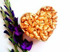 Chlebowy pudding z jabłkami 🍎🍏 U mnie bez dodatków, ale można dodać gałkę (lub więcej) lodów waniliowych/śmietankowych 🍨  --->  Zapraszam do odwiedzenia mojej strony na fb https://m.facebook.com/eatdrinklooklove/ 💜  ------------------------------  Apple pie bread pudding 🍏🍎 For me, no frills, but you can add a knob (or more) of vanilla ice cream / cream 🍨  --->  I invite you to visit my page on fb https://m.facebook.com/eatdrinklooklove/ 💜