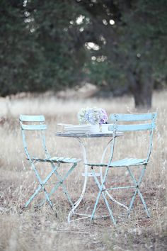A Pair of Vintage French Blue Bistro Chairs for walkout area. French Country Style, Vintage Country, French Vintage, Old Chairs, Vintage Chairs, Provence, Outside Patio, Bistro Chairs, French Bistro