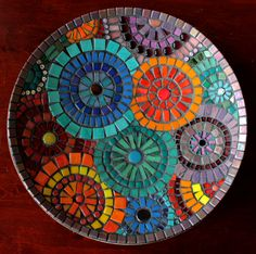 Mosaic plate Mosaic Wall, Mosaic Glass, Mosaic Tiles, Glass Art, Tiling, Mosaic Birdbath, Mosaic Garden, Mosaic Crafts, Mosaic Projects
