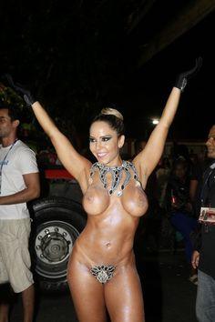 'Gosto da sensação de liberdade', diz Mulher Melão nua na Sapucaí