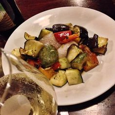 verdure locali e di stagione.. grigliate Meat, Chicken, Food, Essen, Meals, Yemek, Eten, Cubs