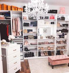 Luxury Walk In Closet Design Ideas for the Sophisticated Home Dressing Room Closet, Dressing Room Design, Closet Bedroom, Bedroom Decor, Dressing Rooms, Walk In Closet Design, Closet Designs, Wardrobe Design, Inspire Me Home Decor