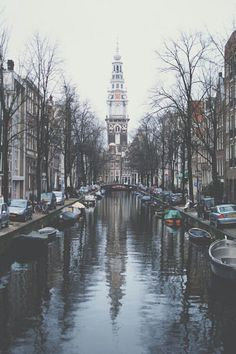 Bild über We Heart It https://weheartit.com/entry/165074186 #adventure #boats #buildings #cars #city #escape #explore #grunge #hipster #paradise #travel #tumblr #water