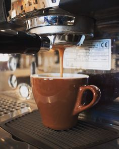 Serving up another espresso @calusacoffee