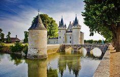Chateau Sully-sur-Loire en el Valle del Loira en Francia