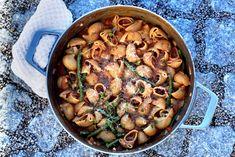 One pot pastagryte Dere, One Pot, Paella, Parmesan, Ethnic Recipes, Food, Stew, Essen, Meals