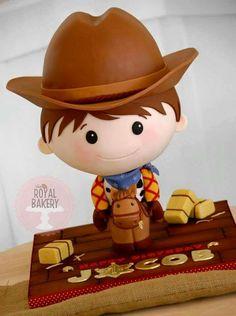 Bolo menino. Bolo cowboy. Bolo esculpido.
