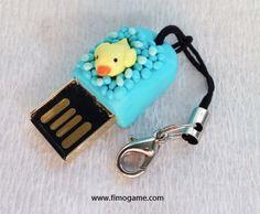 Duck in a bath polymer clay in USB flash stick // Canard dans un bain en pâte Fimo sur clé USB