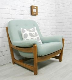 Details about ercol retro vintage wychwood midcentury modern armchair chair eames era Ercol Furniture, Retro Furniture, Home Furniture, Furniture Design, Country Furniture, Furniture Projects, Country Decor, Furniture Makeover, Modern Armchair