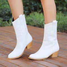 Berlin Beyaz Kalın Topuklu Bot  #heels #white #boots #western #topuklu #beyaz #bot #kovboy Western Boots, Booty, Ankle, Shoes, Fashion, Moda, Swag, Zapatos, Wall Plug