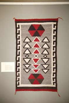 Past Exhibits with Navajo Rugs October 9 – November 27, 2010 Marcellus Gallery – The Navajo Rug Kings Art Center 605 N. Douty St. Hanford, CA Sponsored by Griswold, La Salle, Cobb, Dowd & Gin LLP Click Here for October 8th, 2010 Premiere Coverage… The Navajo Rug From the Collection of Charley & Valerie Castles …
