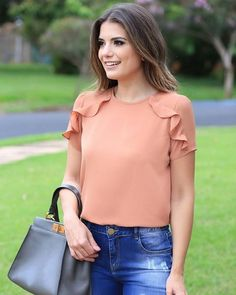 60 glamorous summer outfits to copy right now 88 ~ Litledress Blouse And Skirt, Blouse Dress, Summer Outfits, Casual Outfits, Fashion Outfits, Blouse Styles, Blouse Designs, Moda Chic, Womens Fashion For Work