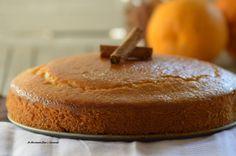 La torta arancia e cannella è semplice e leggera, adatta a coloro che non possono consumare latticini, perchè senza burro e latte.