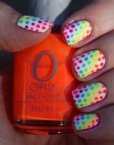 Nail Art: Rainbow Dots