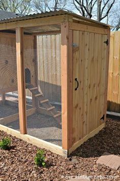 our vintage home love: Our New Coop #ChickenCoopPlans
