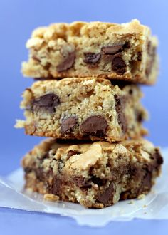 In Good Taste: Chocolate Chip Cookie Bars :: made with 1 cup brown sugar and 3/4 cup white sugar; 3/4 tsp baking soda instead