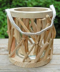 DIY inspiration-Round Driftwood Lantern