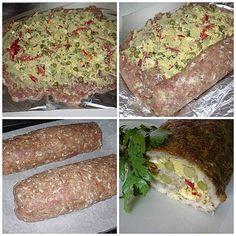 Pomleté maso osolíme, opepříme, dáme česnek, jedno vajíčko, trošku mouky. Pořádně promícháme, rozmačkáme na alobal rukama, potřeme hořčicí a dáme… Meatloaf, Tacos, Menu, Ethnic Recipes, Lasagna, Menu Board Design